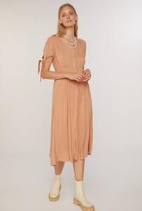 Sukienka FEMESTAGE Eva Minge w stylu casual z tkaniny z długim rękawem