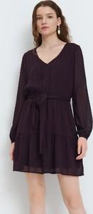Fioletowa sukienka Mohito w stylu casual z tkaniny trapezowa