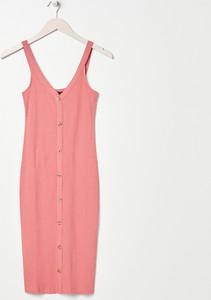 Różowa sukienka Sinsay midi na ramiączkach