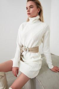 Sukienka Trendyol mini w stylu casual dopasowana