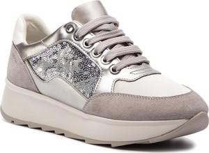 1168e2848d9e3 Różowe sneakersy na koturnie, kolekcja zima 2019