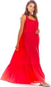 Różowa sukienka Awama maxi oversize z okrągłym dekoltem
