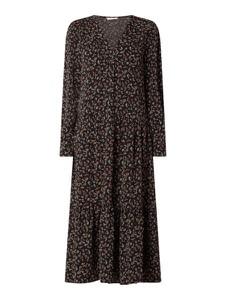 Czarna sukienka Only w stylu casual z dekoltem w kształcie litery v z długim rękawem