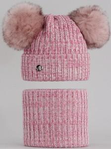 Różowa czapka Agbo