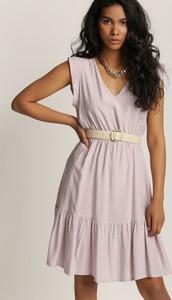 Różowa sukienka Renee mini bez rękawów z dekoltem w kształcie litery v