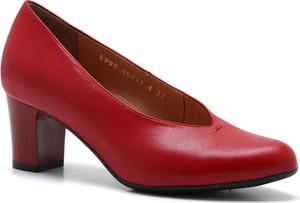e00ad32117f4aa czerwone czółenka venezia - stylowo i modnie z Allani
