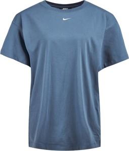 Sukienka Nike prosta w sportowym stylu
