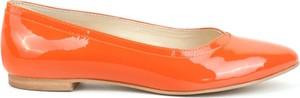 Pomarańczowe baleriny AKARDO ze skóry w stylu casual