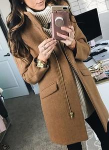 Brązowy płaszcz Sandbella z wełny