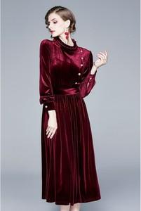 Sukienka Kaimilan rozkloszowana
