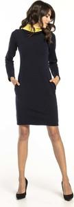 Granatowa sukienka Tessita mini z golfem prosta