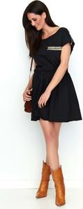 Czarna sukienka Makadamia mini z bawełny z okrągłym dekoltem