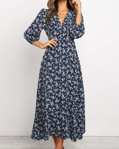 Niebieska sukienka Kendallme trapezowa z dekoltem w kształcie litery v z długim rękawem