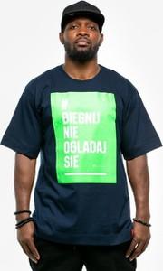 Niebieski t-shirt Pihszou z bawełny