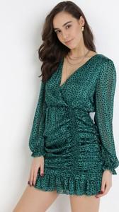 Zielona sukienka born2be z długim rękawem kopertowa z dekoltem w kształcie litery v