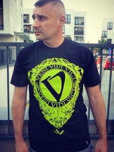 T-shirt Pihszou z nadrukiem z bawełny