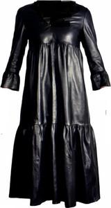 Czarna sukienka Onstage z długim rękawem