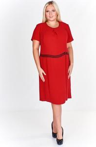 Pomarańczowa sukienka Fokus dla puszystych z tkaniny z krótkim rękawem