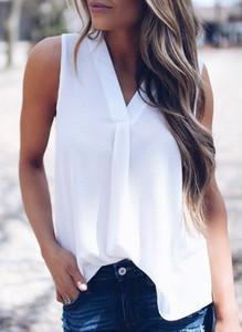 Bluzka Sandbella z dekoltem w kształcie litery v w stylu casual