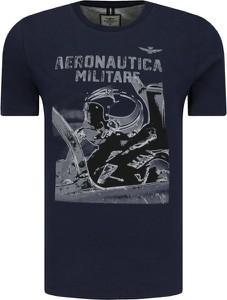 Granatowy t-shirt Aeronautica Militare w młodzieżowym stylu z nadrukiem z bawełny