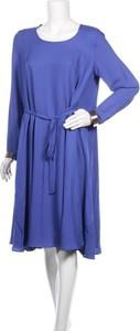 Niebieska sukienka Devernois w stylu casual z długim rękawem z okrągłym dekoltem