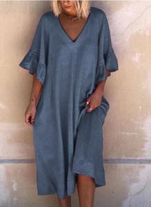 Niebieska sukienka Sandbella midi z długim rękawem