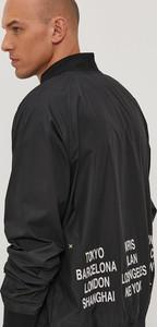 Czarna kurtka Nike Sportswear z tkaniny krótka w sportowym stylu