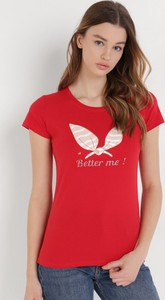 Czerwony t-shirt born2be w młodzieżowym stylu