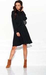 Czarna sukienka TAGLESS mini w stylu casual z żabotem