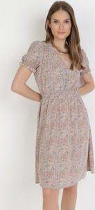 Sukienka born2be trapezowa z krótkim rękawem