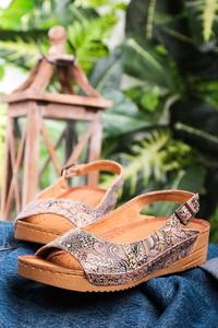 Sandały Maciejka z klamrami