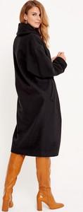Czarny płaszcz Byinsomnia z wełny