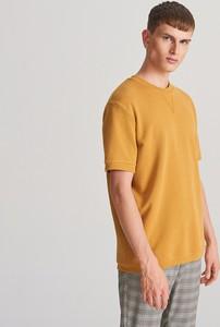 Żółty t-shirt Reserved z krótkim rękawem z dzianiny
