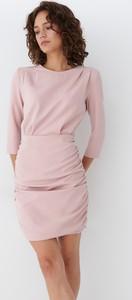 Różowa sukienka Mohito z długim rękawem mini z okrągłym dekoltem