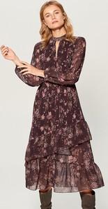 Sukienka Mohito midi z długim rękawem z dekoltem typu choker
