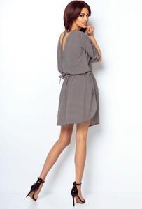 Sukienka Ivon z długim rękawem z dekoltem na plecach