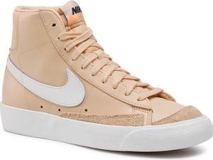 Brązowe trampki Nike sznurowane