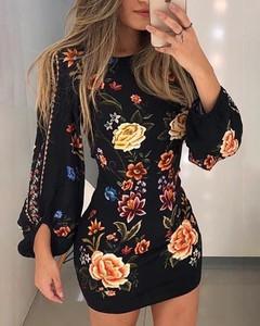 Sukienka Kendallme z okrągłym dekoltem mini z długim rękawem