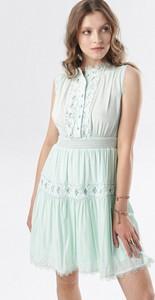 Sukienka born2be bez rękawów w stylu casual