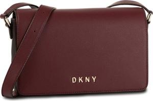 Czerwona torebka DKNY na ramię matowa średnia