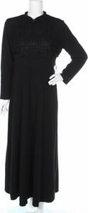 Czarna sukienka Amine Huma z kołnierzykiem w stylu casual
