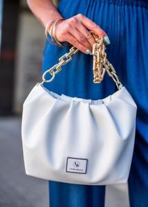 Niebieska torebka Fason w stylu glamour