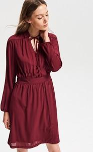 Czerwona sukienka Reserved z długim rękawem w stylu casual mini
