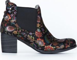 Botki Zapato z nadrukiem na obcasie