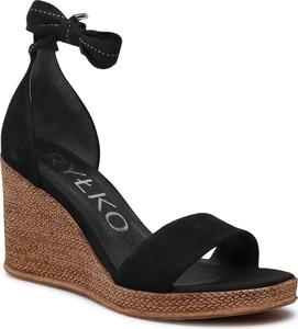 Sandały Ryłko z klamrami z weluru