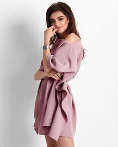 Różowa sukienka Ivon z długim rękawem