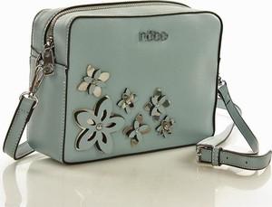 Niebieska torebka NOBO z aplikacjami w młodzieżowym stylu na ramię