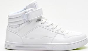 Cropp - Wysokie sneakersy - Biały