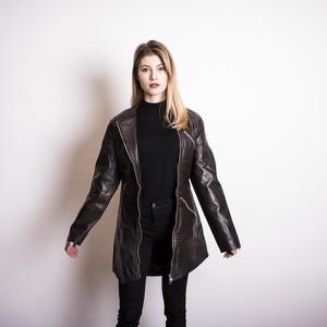 69d29822483cc płaszcze damskie kurtki skórzane - stylowo i modnie z Allani
