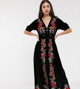 Czarna sukienka Asos z dekoltem w kształcie litery v